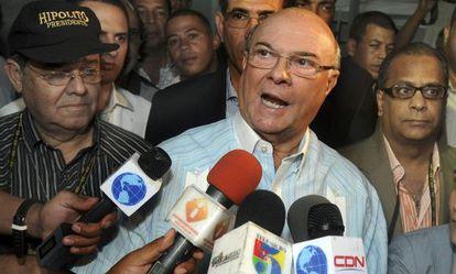 El expresidente Mejía, el domingo.