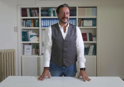 The doctor Álvaro Rodríguez-Lescure, president of the Spanish Society of Medical Oncology, before the interview.