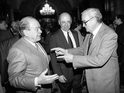 Acto de despedida de Joan Raventós como presidente del Parlament, en 1999, con Jordi Pujol y Joan Rigol.