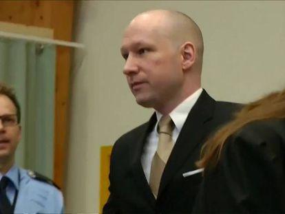 Un tribunal noruego dictamina que el aislamiento del asesino Breivik no es tortura