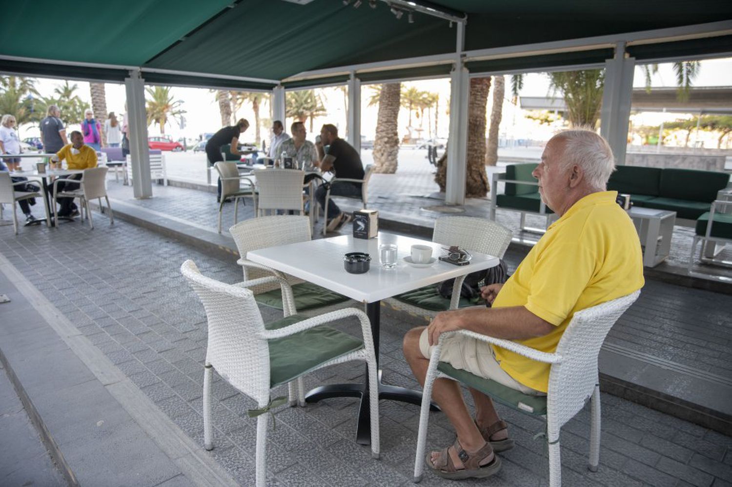Atmosphere on a terrace on the Canary Island of La Gomera, which started in phase 1 last Monday.