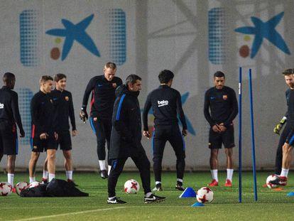 Entrenamiento del Barcelona en la ciudad deportiva Joan Gamper