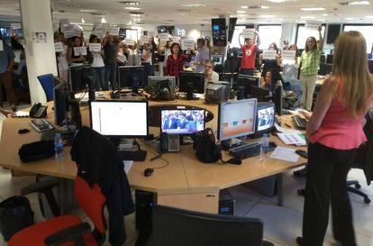 Protesta en la redacción de Torrespaña.