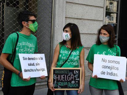 Concentración de profesores ante la Conserjería de Educación y Juventud en Madrid, el pasado 22 de septiembre.