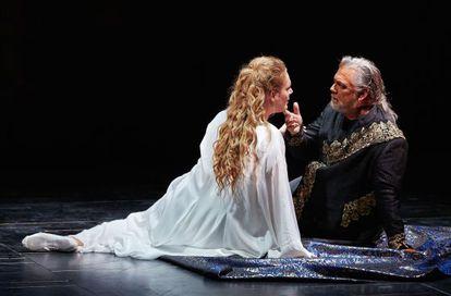 Gregory Kunde y Eva-Maria Westbroek, en una escena de 'Otello'.