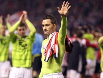 Los jugadores del Mirandés, tras ser eliminados por el Athletic.