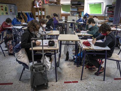 Estudiantes del colegio público Mare Nostrum de Valencia, el 26 de febrero.