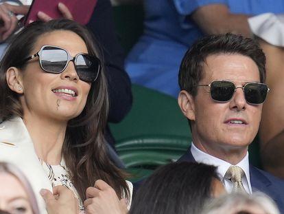 Tom Cruise y Hayley Atwell, durante la final femenina de Wimbledon, el pasado fin de semana.