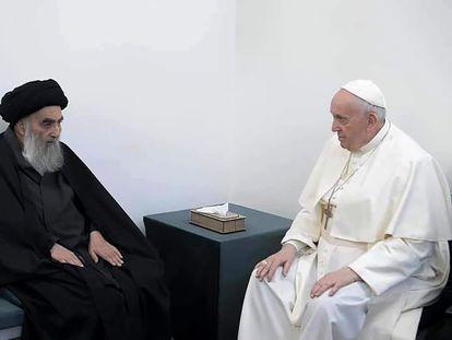 El papa Francisco, con el gran ayatolá Al-Sistaní, en su casa de Nayaf.