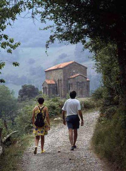 La iglesia prerrománica de Santa Cristina, en Pola de Lena (Asturias).