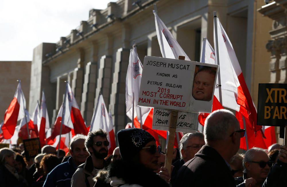Bruselas abre expediente a Malta y Chipre por los 'pasaportes dorados'