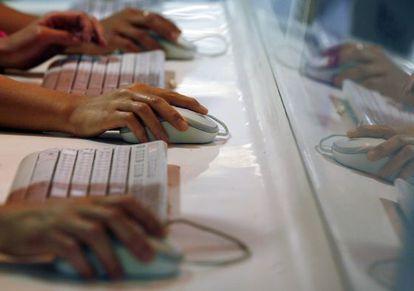 Usuarios de Internet en Hong Kong.