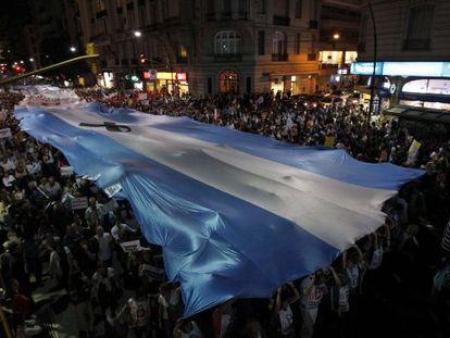 Imagen de la marcha por las calles de Buenos Aires.