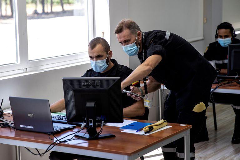 """Vista general de las instalaciones en la que militares de la UME, adscritos a la """"Operación Baluarte"""", dan apoyo con rastreadores a las comunidades autónomas."""