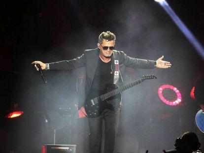 Alejandro Sanz, durante su actuación.