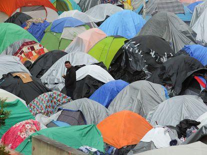 Campamento de migrantes que esperan su oportunidad para entrar en Estados Unidos en El Chaparral, Tijuana, el 23 de marzo.