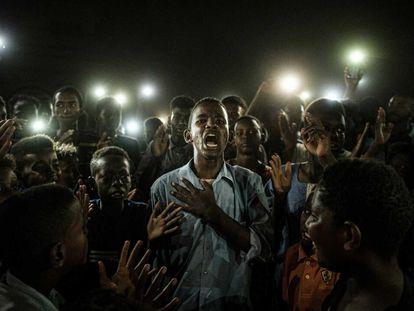 La fotografía ganadora de World Press Photo 2020. La firma el japonés Yasuyoshi Chiba, está tomada en Sudán y se titulada 'Straight Voice'.
