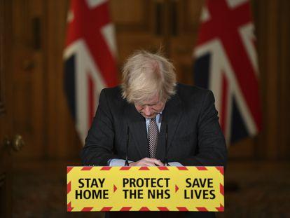 Boris Johnson comparece el pasado 26 de enero para anunciar que el Reino Unido había rebasado la cifra de los 100.000 muertos por la covid-19.