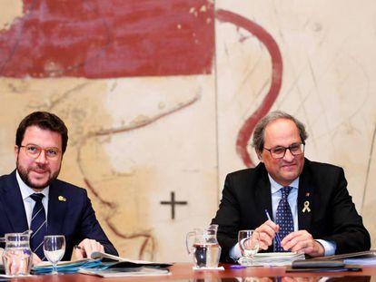 Pere Aragonès y Quim Torra, en la reunión del Govern de este lunes.