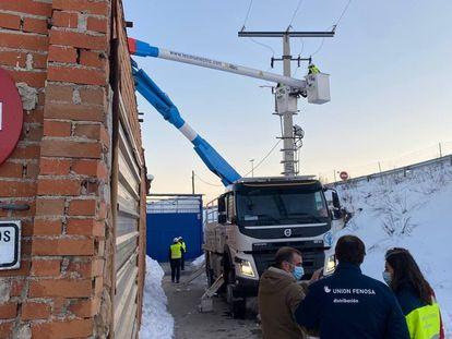 Naturgy trabaja este lunes 11 de enero para desconectar puntos sospechosos de sobrecarga en la Cañada Real.