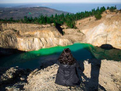 Balsa de residuos mineros en Monte Neme, entre los municipios coruñeses de Carballo y Malpica.