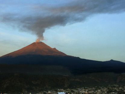Vista del volcán Popocatépetl el 15 de mayo.