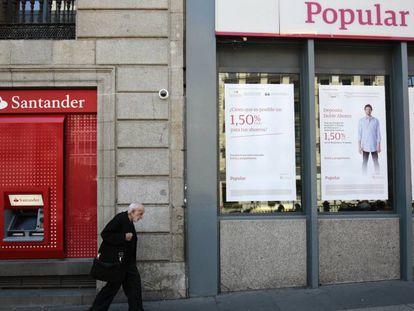 dvd 848 Sucursal del Banco Santander y del Banco Popular en Madrid.