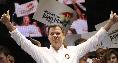 El candidato oficialista, Juan Manuel Santos, en el acto de cierre de campaña en Bogotá