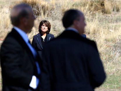 Dolores Delgado, junto a Francis Franco y el abogado de la familia, Utrera Molina. En vídeo, la ministra de Justicia en entrevista en la Cadena SER.