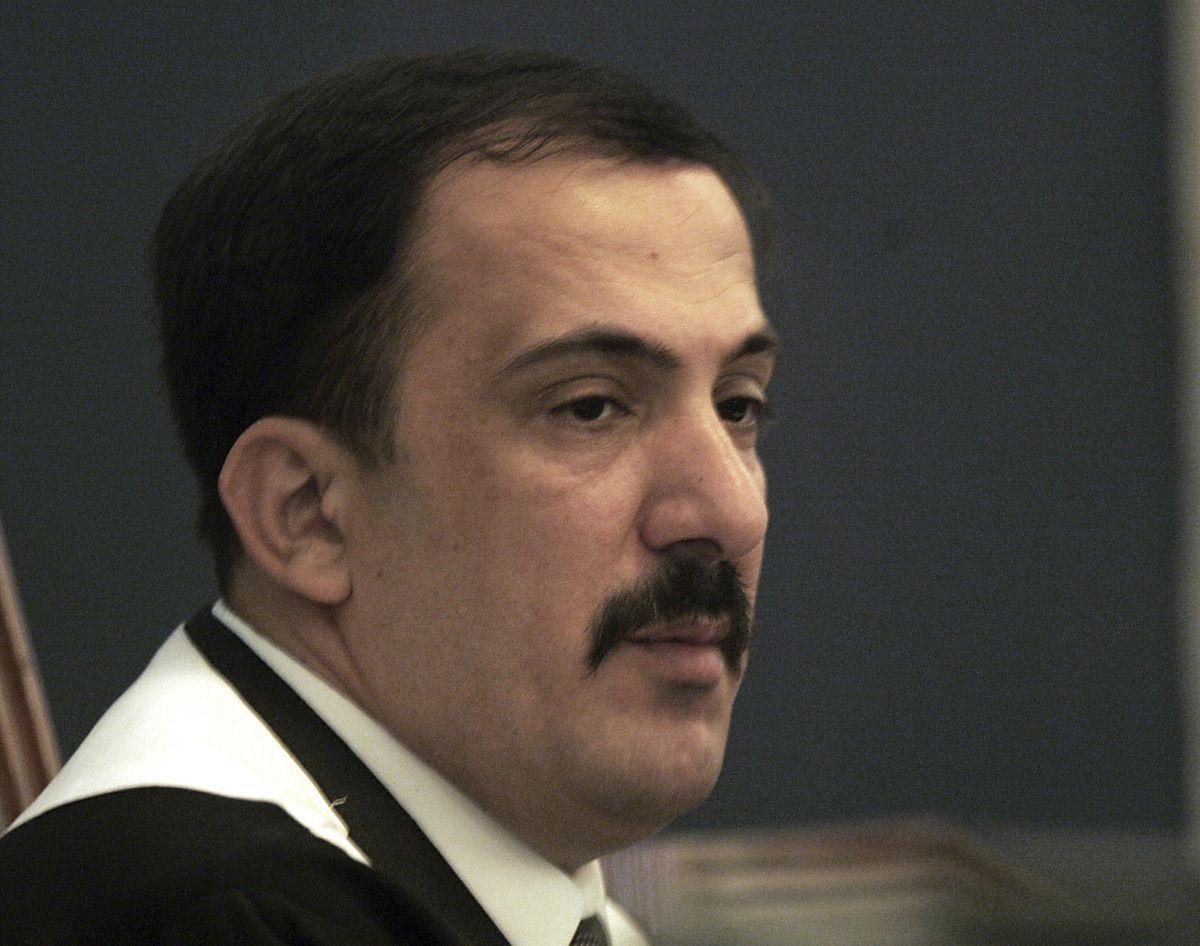 Mohamed al Oreibi: Muere el juez iraquí que presidió el juicio por genocidio contra Sadam Husein   Internacional   EL PAÍS