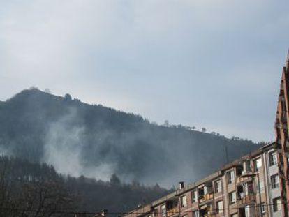 El Gobierno vasco mantiene la recomendación de cerrar ventanas pese al escaso riesgo de toxicidad