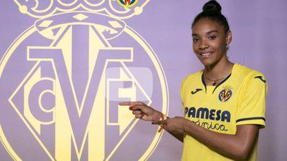 Salma Paralluelo, presentada con el Villarreal.