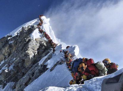 Atasco en el Everest el 22 de mayo de 2019. Nirmal Purja / AP