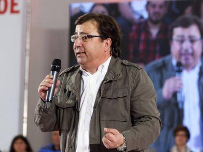 El secretario general de los socialistas extremeños, Guillermo Fernández Vara, durante su intervención en un acto público en Mérida.
