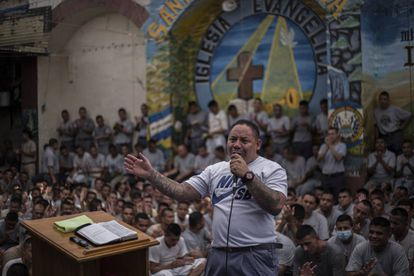 Un exmiembro de la pandilla Barrio 18 Revolucionarios, en la prisión de Gotera.