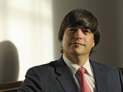 El escritor Jaime Bayly fotografiado en Madrid en 2012 durante la promoción de su novela 'Morirás mañana'.