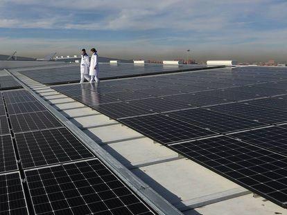 Planta de Generación de Energía Solar Fotovoltaica, en Mercamadrid.