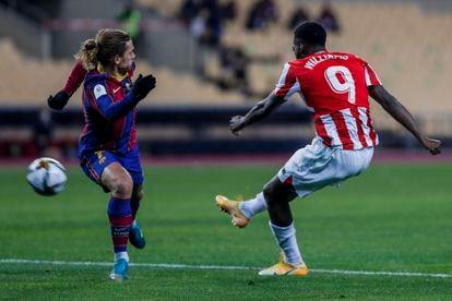Momento de la final de la Supercopa de España entre el FC Barcelona y el Athletic Club de Bilbao, el 17 de enero de 2021 en el Estadio de la Cartuja de Sevilla.