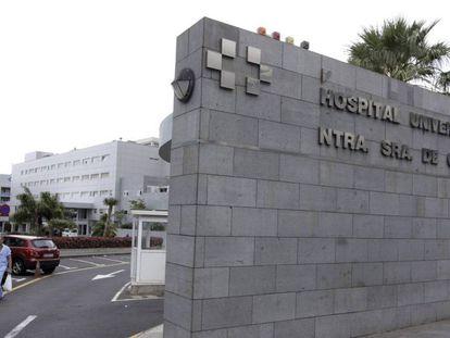 Edificio principal del Hospital Universitario Nuestra Señora de Candelaria, Santa Cruz de Tenerife.