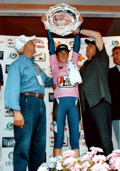 Somarriba, tras ganar el Giro de 1999.