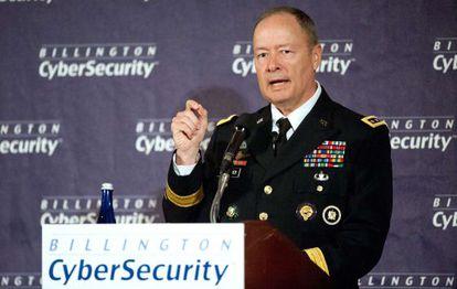 El general Keith Alexander, director de la NSA el mes pasado.