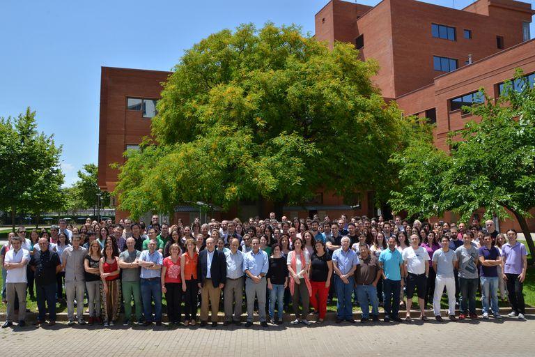 Foto oficial del personal del Instituto de Tecnología Química de Valencia.