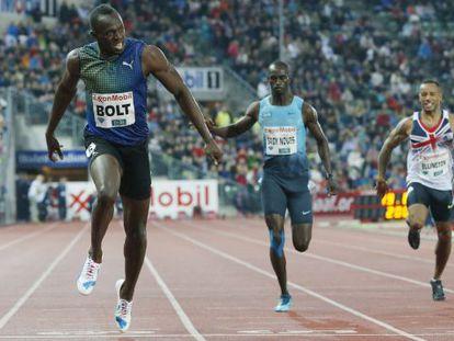 Bolt cruza en primer lugar la meta en Oslo.