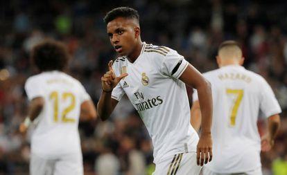 Rodrygo celebra el primer gol.