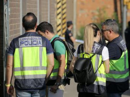 La Policía destapa una trama para la instalación de semaforos y cámaras de control de tráfico a precio hinchado