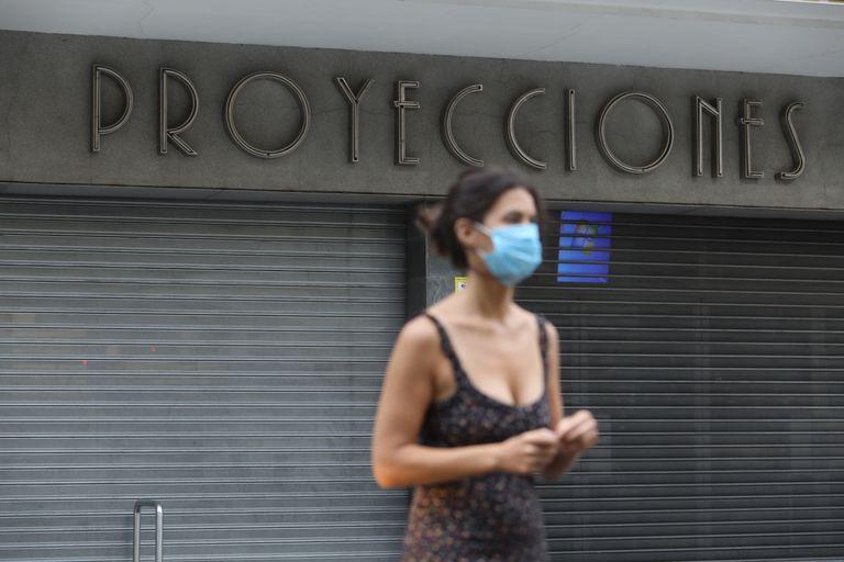 El complejo de salas Cinesa Proyecciones de Madrid, aún cerrado, ayer por la tarde.