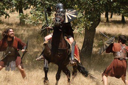 Escena de <i>Hispania,</i> serie que se ha rodado en parajes naturales de La Vera (Cáceres).