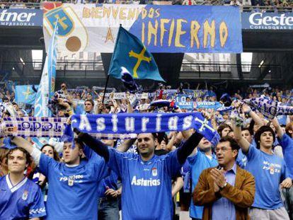 Aficionados del Oviedo.