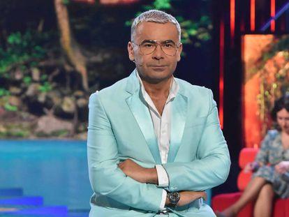 El presentador Jorge Javier Vázquez en el plató de 'Supervivientes' (Telecinco), espacio que presenta desde 2011 y ha revitalizado con un estilo tan inimitable como criticado.