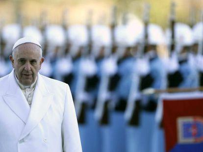 En la foto (Efe), el Papa en el nuevo palacio presidencial en Ankara   Vídeo: Reuters